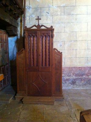 https://www.navamuel.com/images/IglesiaInterior/Confesionario.jpg